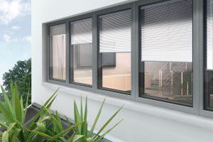 finestre con telaio nero
