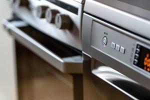 modern-kitchen-1772638_1920